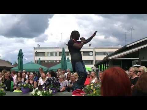 Mc Domas live in Finland Guinea Bissau ka na Para Mama Africa