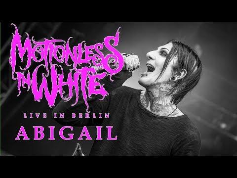 MOTIONLESS IN WHITE - Abigail w/ Spencer from Ice Nine Kills [LIVE IN BERLIN]