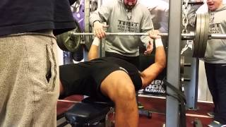 Bodybuilder vs. Football Player: 315 lb Bench Press Challenge [1080p HD]