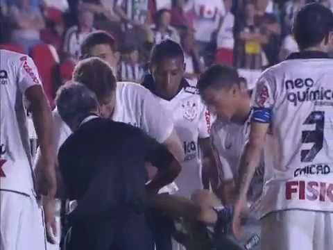 Lesão de Julio César - Corinthians 2x0 Botafogo 2011