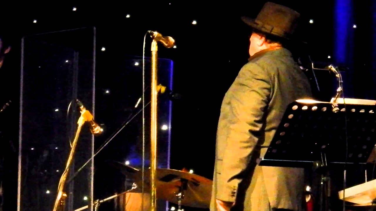 Van Morrison Sings 39 In The Garden 39 Youtube