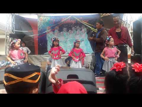 Dance Hello Dangdut by Dinda dkk