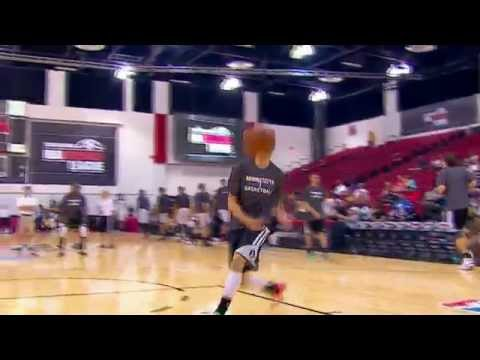Zach LaVine Looks Ready For the Dunk Contest
