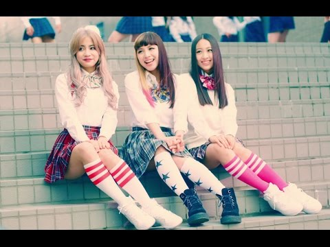 5th Singleは、lol-エルオーエル-初となる両A面シングル「boyfriend / girlfriend」。 今作は、「恋」という同じテーマで、男女それぞれの目線で歌った楽...