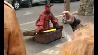 Испания, Барселона. Бульвар Рамблас.(, 2011-09-09T12:01:32.000Z)