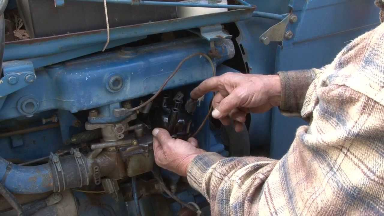 distributor tune up steiner tractor parts [ 1280 x 720 Pixel ]