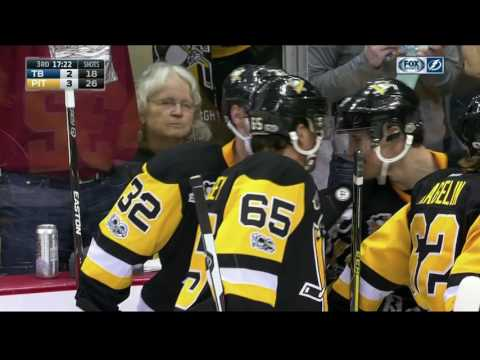 Crosby sets up Streit for first goal with Penguins