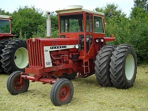 Low Hour IHC 806 Diesel Tractors Sold for Big $$ on Minnesota Auction