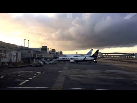 09102015 TIMELAPSE LONDON  GATWICK