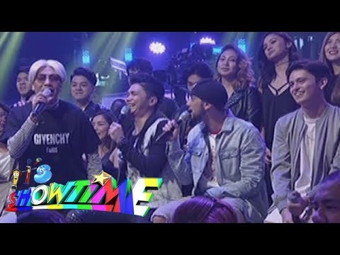 It's Showtime: It's Showtime hosts 'kulitan' moments on stage!