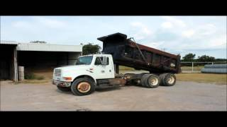 1993 International 4900 dump truck for sale | sold at auction October 6, 2015