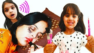 Ashu as Hair Dresser Pretend do mom makeup in house