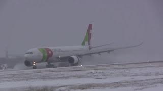 Airbus A330 202 Aterragem de Emergência com Tempestade de Neve