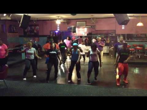 Get Big line dance by Debra Thomas of Jesmove2