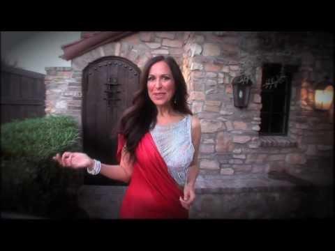 Meet Mrs. Italy Globe • Rene' Dell'Acqua