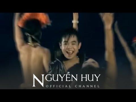 Khúc Cha Cha Cha - Bé Châu [Official]