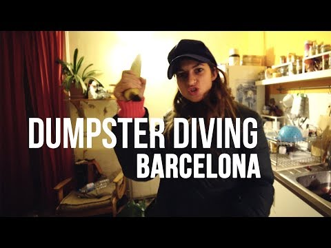 eating from the trash in Barcelona // dumpster diving