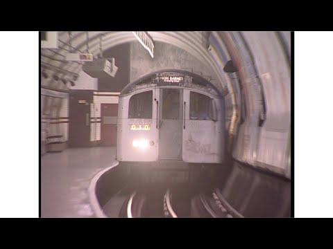 Old tube trains on the Northern Line Mp3