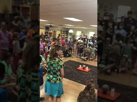Montessori School of Rome Sing Peace Around the World