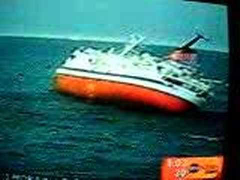 Explorer Cruise Ship Hits Iceberg Youtube