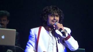 Amazing Medley Songs Hum Hain Rahi Pyar Ke - Sonu Nigam Live Performance