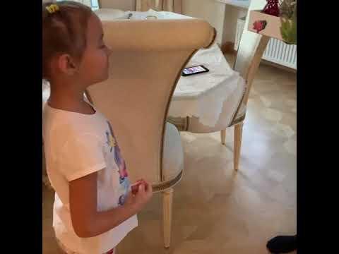 6 летняя дочь Оксаны Федоровой поздравляет папу с днем рождения
