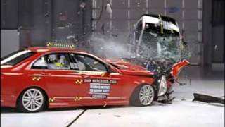 Mercedes C vs smart fortwo - Crash test compatibilità IIHS, Sicurauto.it