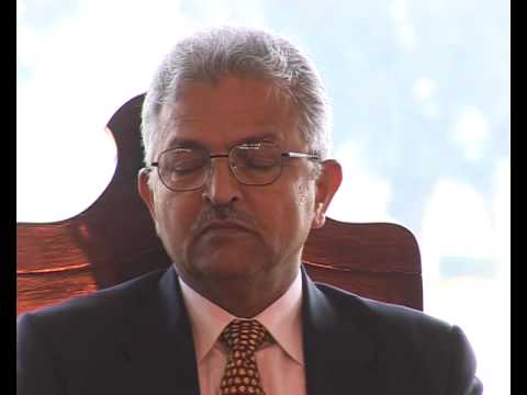 bahawalpur Governor Panjab ki Sadiq public School me amad 21.02.09.mov