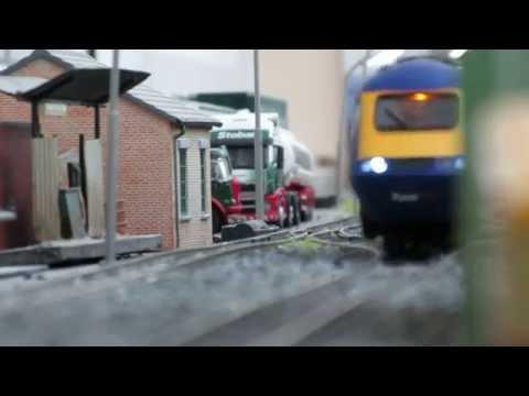 New railtrack measurment train and new first great western 125