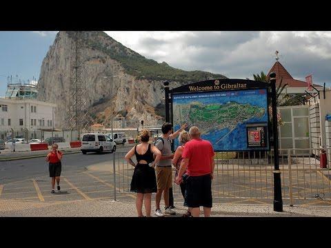 """""""La bandera española está mucho más cerca de Gibraltar"""" tras el"""