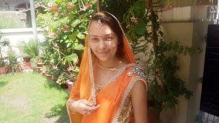 Везде как Дома. Женя в Сари. Индийском национальном костюме.