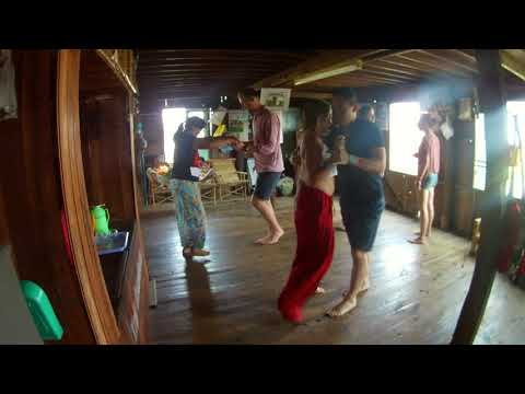 [BTW] Myanmar - Dancing with trek's friends