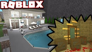 THIS $500,000 MANSION HAS A DARK PAST!!! | Subscriber Tours (Roblox Bloxburg)
