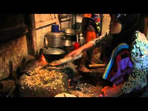 Dadah - Sarimukti Village, Indonesia - Sundanese (Global Lives Project, 2008) ~12:55:23-13:09:50