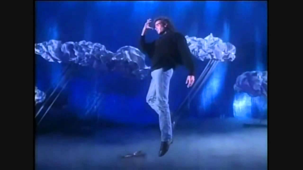 Kết quả hình ảnh cho David Copperfield fly