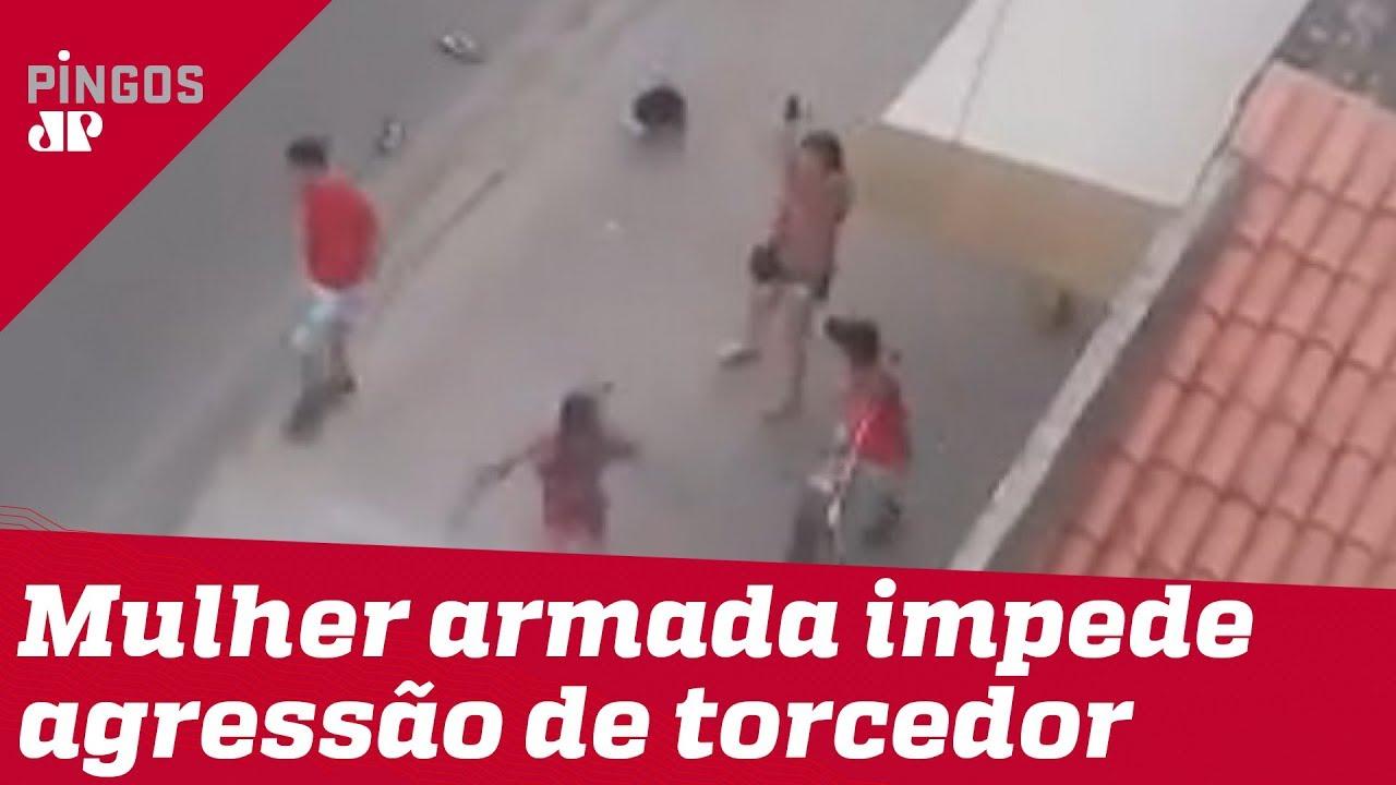Resultado de imagem para Mulher armada impede agressão de torcedor no Ceará