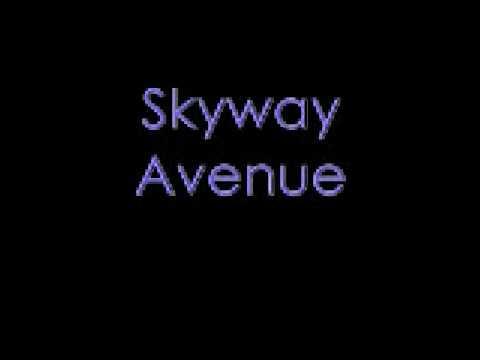 Skyway Avenue - We The Kings (with lyrics)