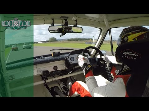Epic Opportunist Pass from Gorden Shedden on Alfa Romeo at Goodwood Revival