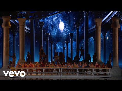 Ariana Grande - God is a woman  on The MTV VMAs2018