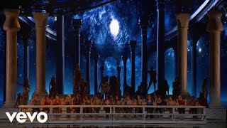 Download Video Ariana Grande - God is a woman (Live on The MTV VMAs/2018 MP3 3GP MP4