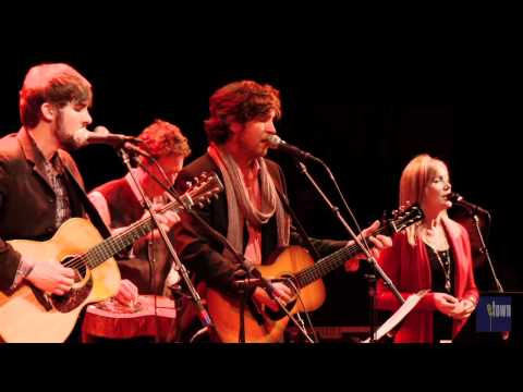 "Matt Wertz - ""Tennessee Christmas""  (eTown webisode 140)"