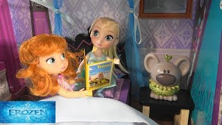 Princess Anna and Elsa Toddlers Bedtime Routine Story with Barbie Grilling Set and Princess Castle