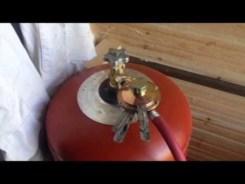 Как поменять газовый баллон к плите на даче видео
