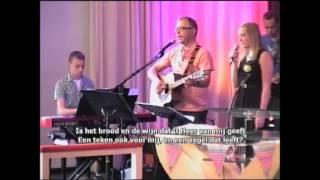 Zingen met mijn dochter Sanne met haar belijdenis (zoon Mark achter piano)