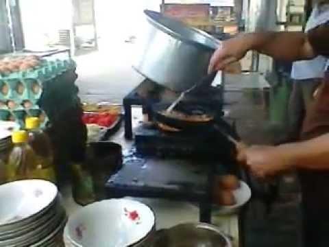 iraqi street food (Makhlmh)