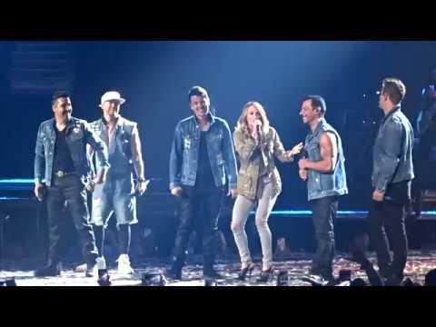 Carrie Underwood Sings Happy Birthday to Jordan Knight on NKOTB's Total Package Tour