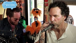 "THE WILD FEATHERS - ""Wine & Vinegar"" (Live at SXSW 2014) #JAMINTHEVAN"