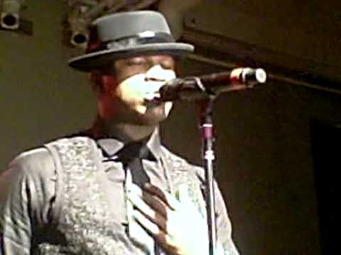 "Ne-Yo Performs ""Part Of The List"" At NYC Event!"