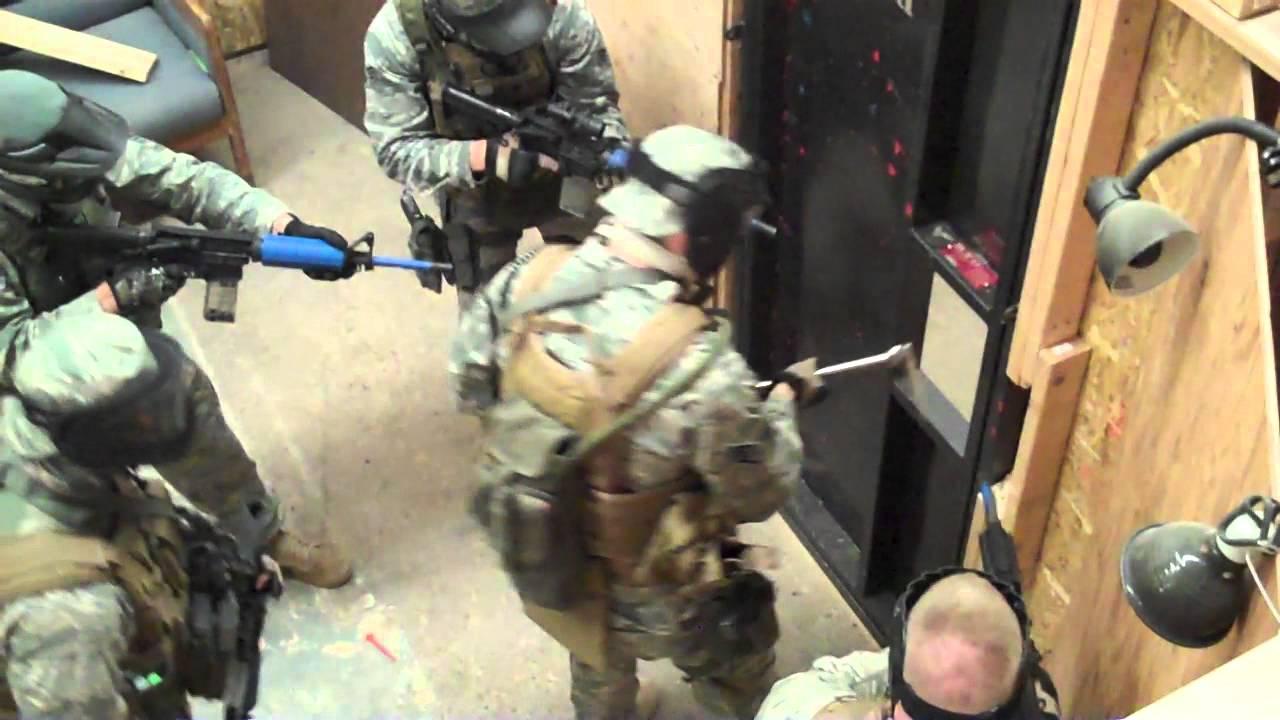 USAF Security Forces EST door breaching procedures & USAF Security Forces EST door breaching procedures - YouTube