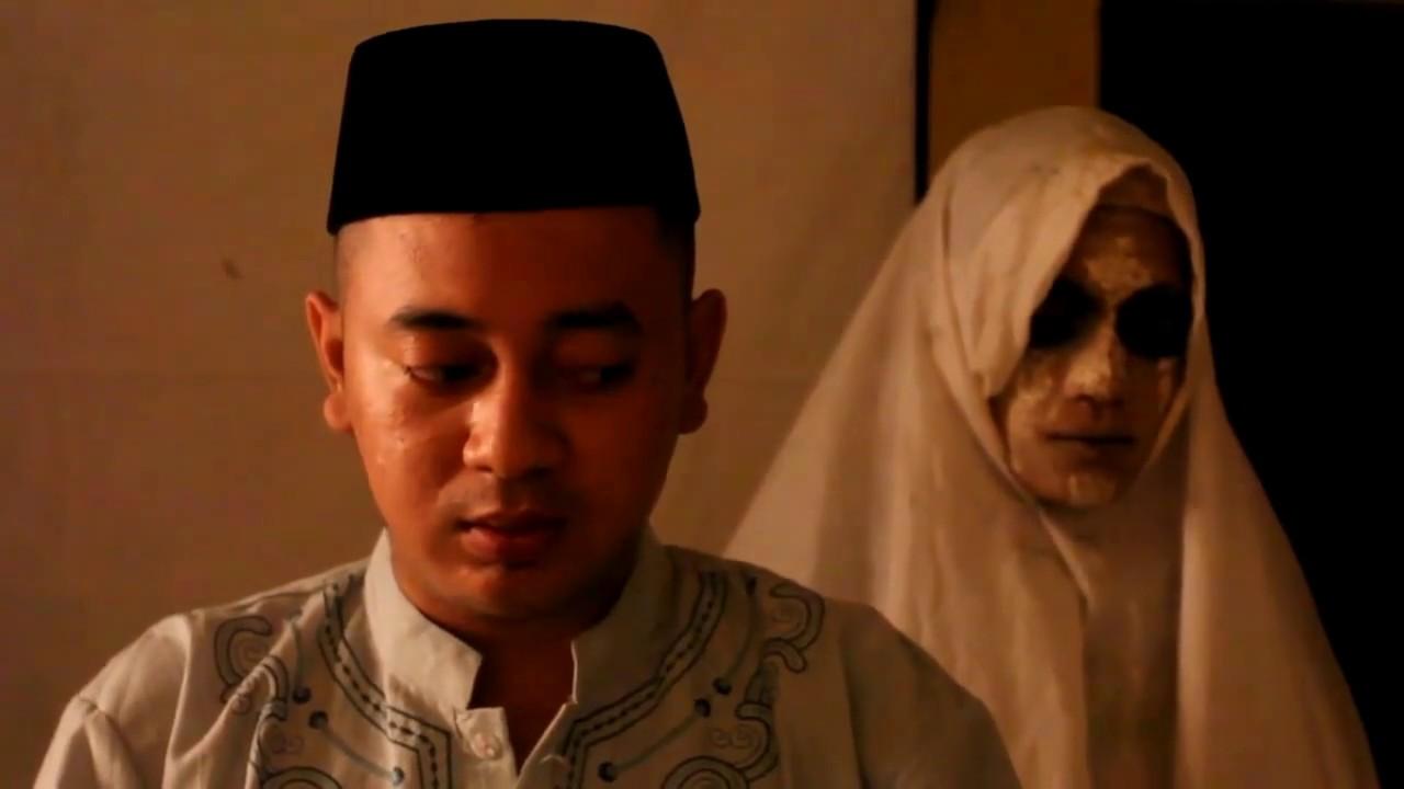 Download 'MAKMUM'  Filem Seram Pendek